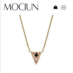 MOCIUN Triangle Necklace Black and White